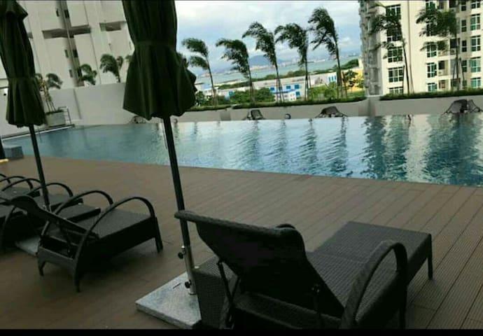 Comfort Deluxe Suites In Georgetown Penang - Jelutong