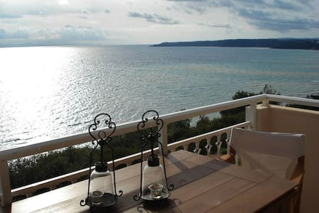 Cliff Beach House, 95 m², Private Beach - Nea Poteidaia - Pis