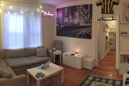 Cozy Apartment , minutes from times square. - North Bergen - Íbúð
