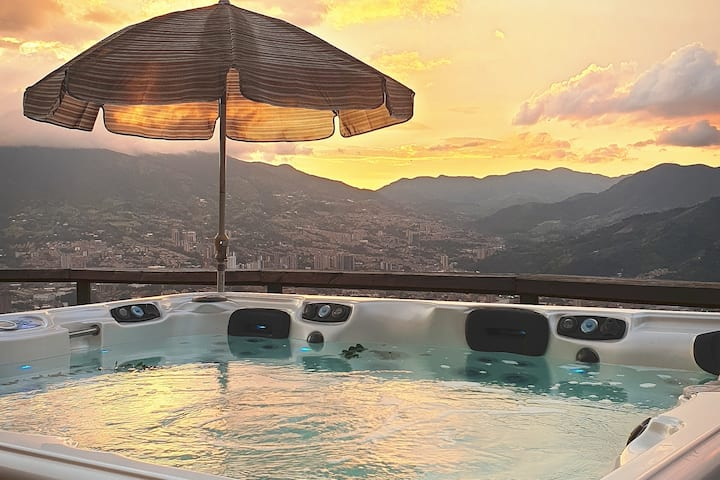 Hermosa villa en Envigado con vista panorámica