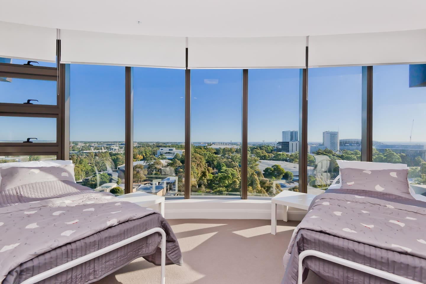 2 Single beds with Olympic Park and Sky view