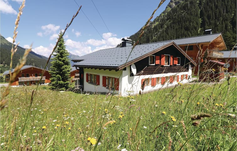 Holiday cottage with 5 bedrooms on 133m² in Gargellen