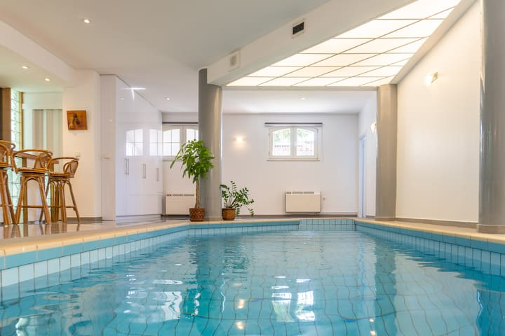 Pool & Garden modern apartment