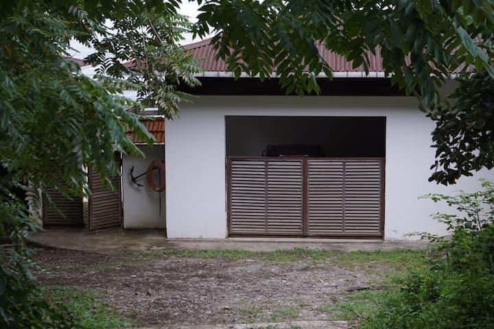 Mandrati Villa