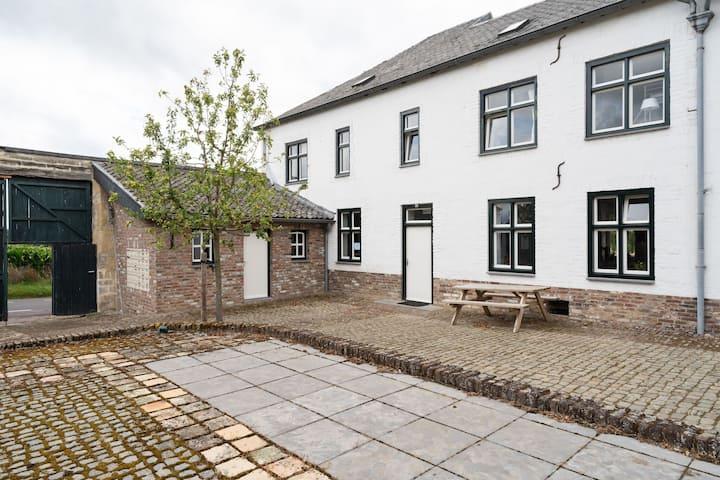 Cozy Farmhouse in Bemelen with Terrace