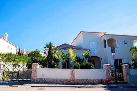 Outstanding Villa Very Well Located Near The Beach - Almancil - House