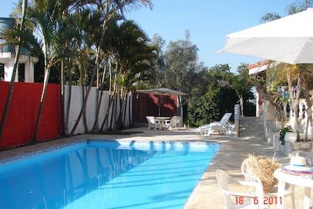 Chácara com piscina em Mairinque - SP - Mairinque - Haus