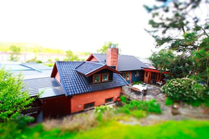 Room for rent 1 month in our beautiful villa! - Gothenburg - Villa