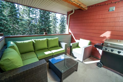 Private Deck★South Sun★Hot Tubs/Pool★Park Pass