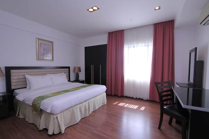 3 Bedroom Suite Apartment