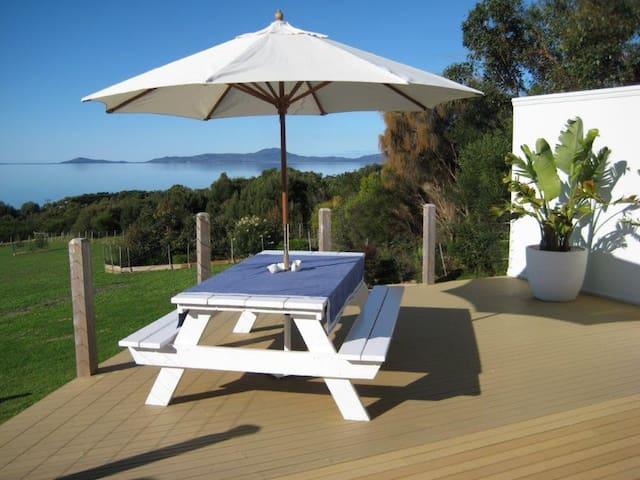 A Promontory View Beach House - 180 o Sea Views