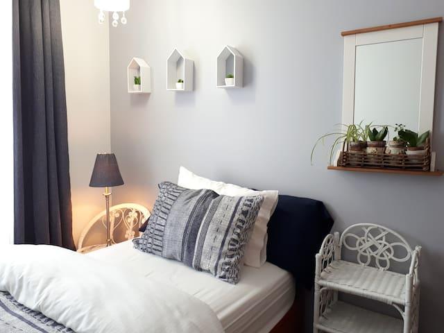 Chambre a l'étage, 1 lit simple