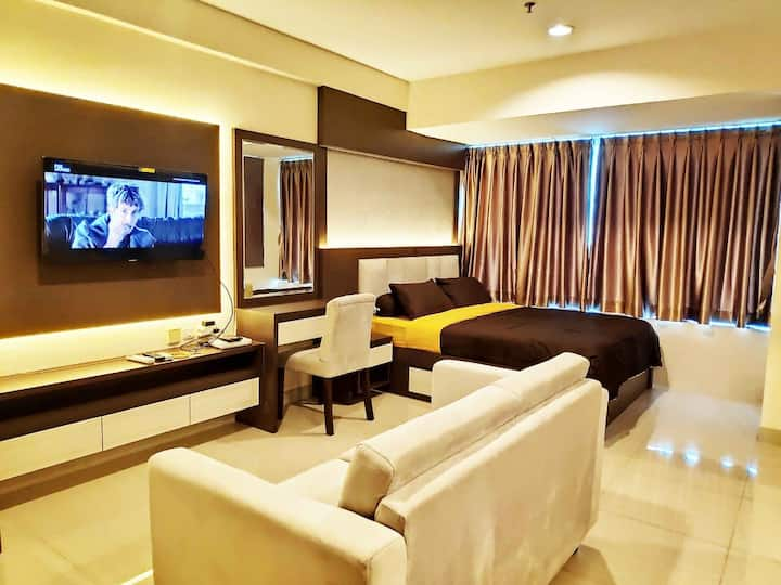 Deluxe Room C Grand Kamala Lagoon Apartement