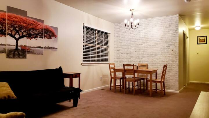 Entire Apartment -2 Beds * Philly Suburbs