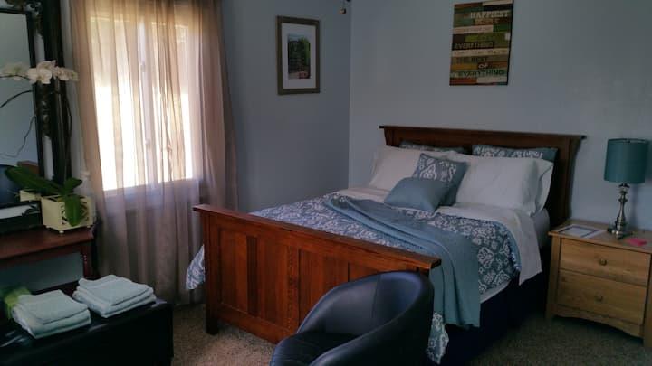 Quiet & Private Room #2 in El Sobrante