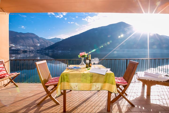 Casa al Lago Lakefront Apartment - Valsolda - Apartment