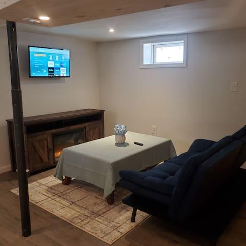 Electric fireplace & Smart TVw/ 1G Verizon internet wifi ready