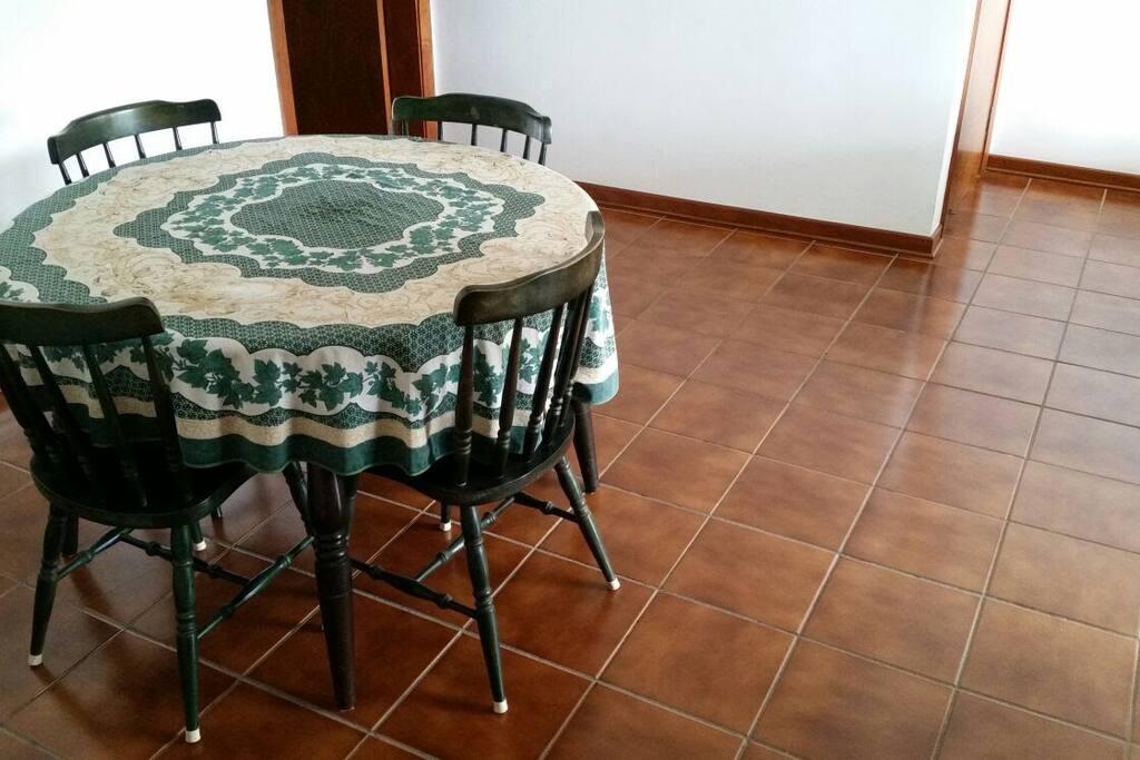 Sala Jantar colada a sala