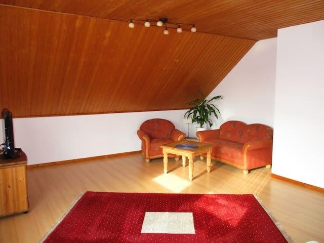 Schöne Wohnung in 2-Familienhaus - Korschenbroich - Wohnung