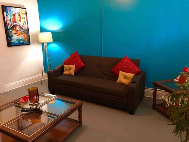 Cozy Casita 602 - Next to I-10 + FREE WIFI