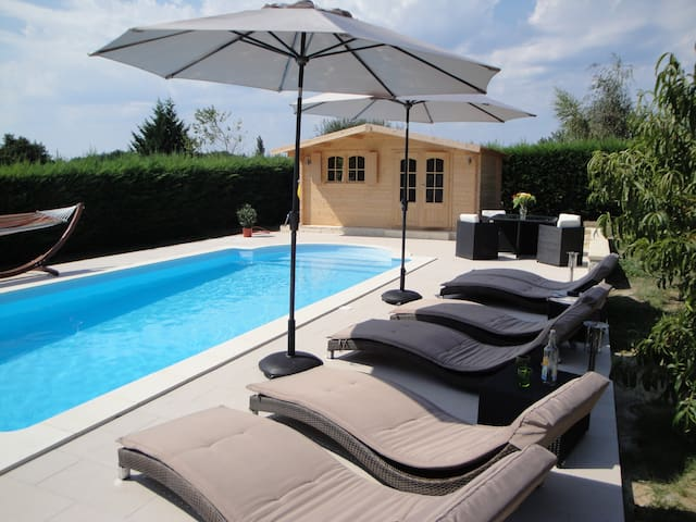 Gîte La Roseraie - Villefranche-de-Lonchat - Apartamento