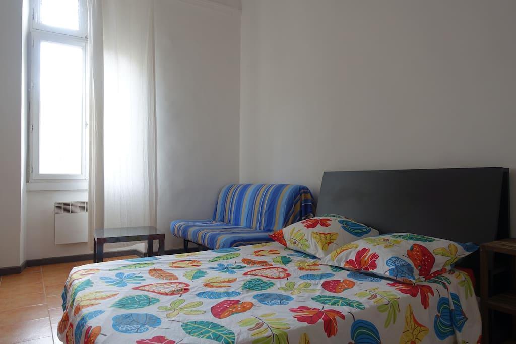 Chambre spacieuse gare st charles appartements louer marseille provence alpes c te d 39 azur - Chambre a louer marseille ...