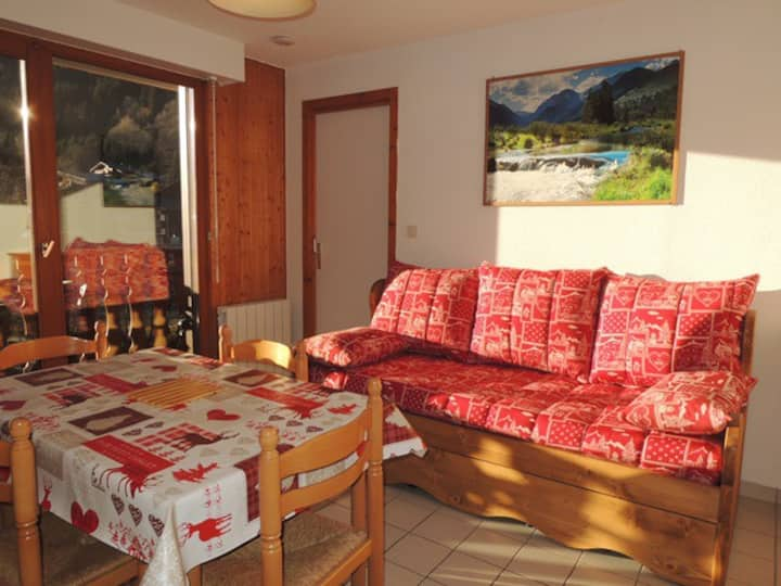 2 roomed apartment - 5 persons