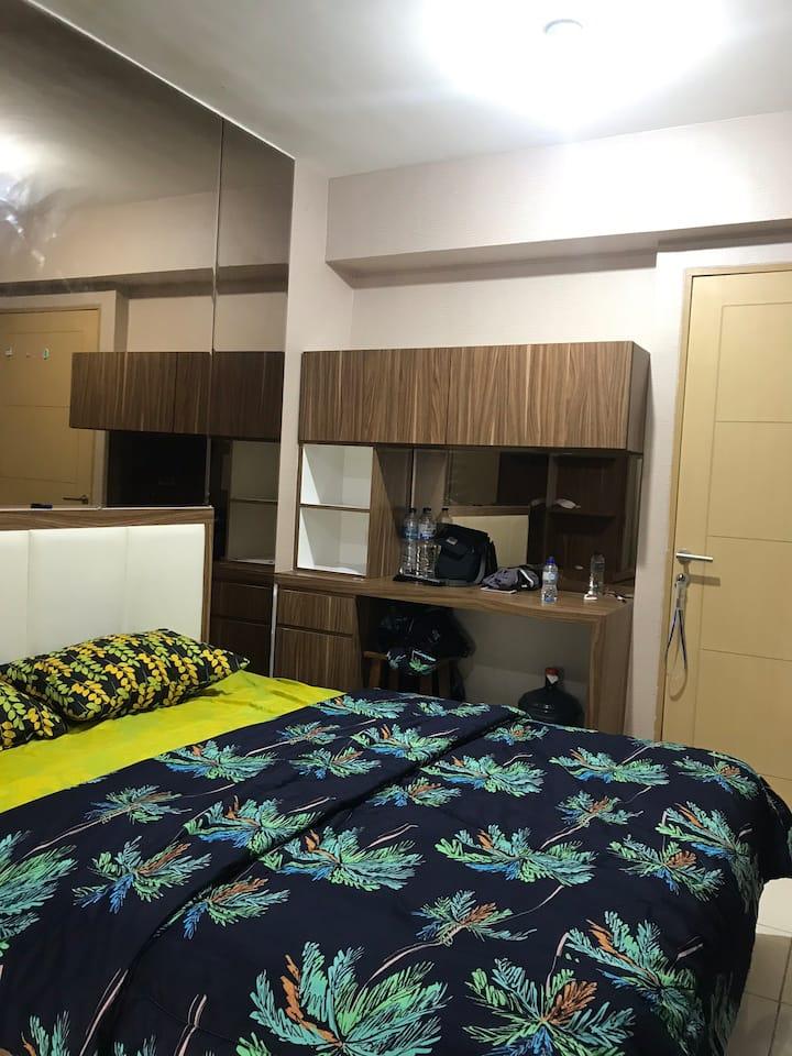Apartemen dengan view kolam renang yang bagus