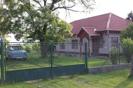 Hungarian landhouse in Egerlövö - Egerlövő - Huis