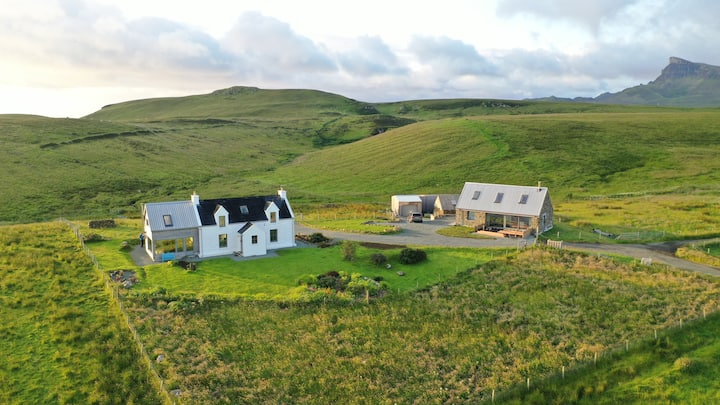 Balmaqueen Skye - two cottages in stunning scenery