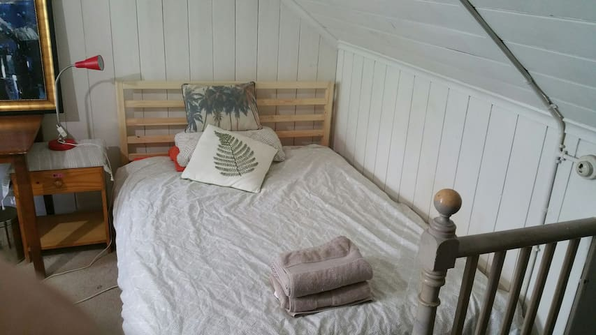 Central location - attic room females only