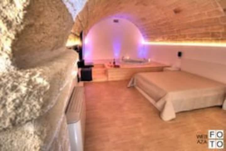 Luxury Suite Stone, Pernottamento In suite con Jacuzzi