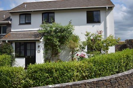 3 Bed Cottage in Beeson, Kingsbridge