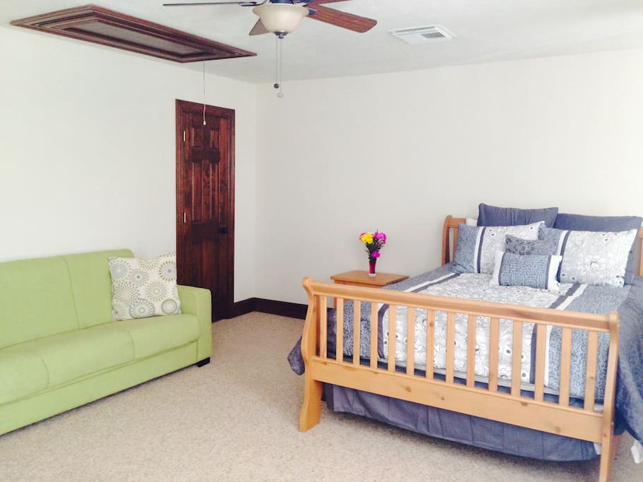 Inside you will find a bright & spacious flat with a comfy queen-sized bed and full-sized fold out couch.