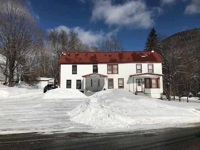 Killington Ski Home - 4BR-Great for larger groups