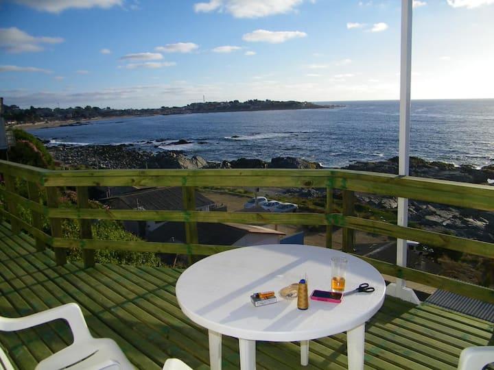 Casa con gran terraza y espectacular vista al mar