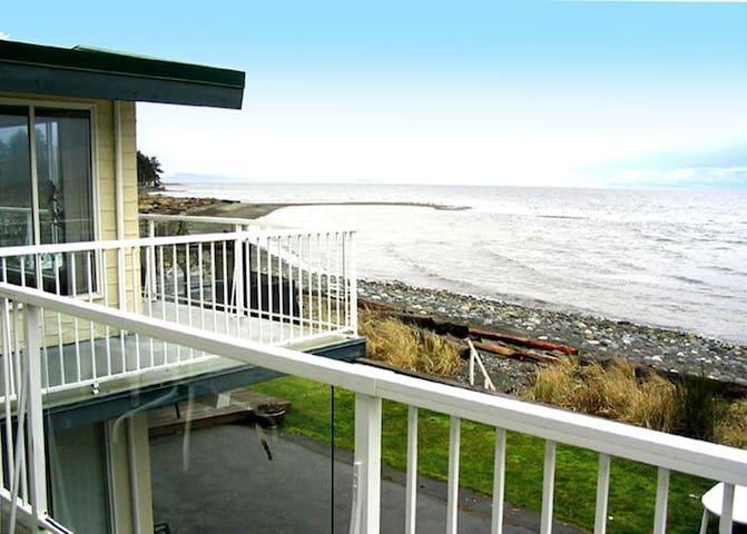 Brant suite, Qualicum Beach House