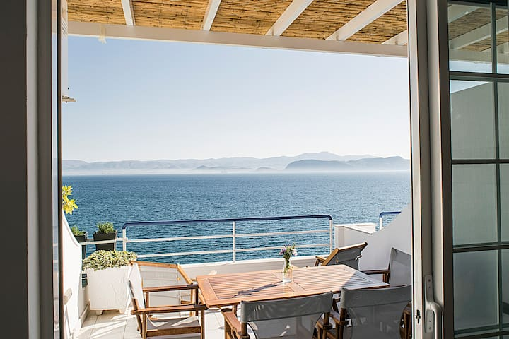 Beachfront Luxury Apartment, Nafplio, Mycenae