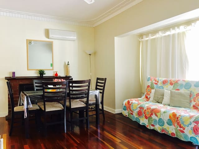 Holiday Cottage House for 6 [休闲度假屋6人] - Thornlie - Dom
