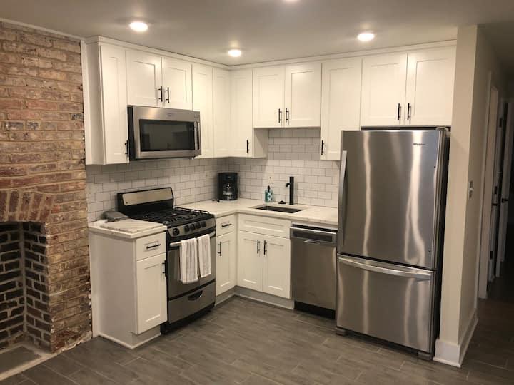 Cute Modern 1BR Smoke-free Apartment (No Parking)