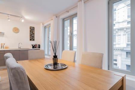Magnifique appartement de 80 m² (Grand-place) - Bruxelles - Lejlighed