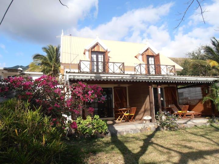 Mauritius Beach Cottage & Surfing