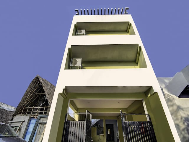 OYO - Traditional 1BR Home near Auroville Beach (1.7 km) Discount!