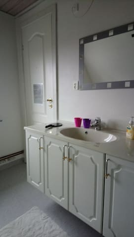 Et godt værelse med bad