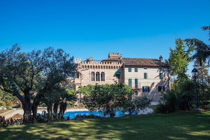 Italian castle with pool near Fermo 10km from sea