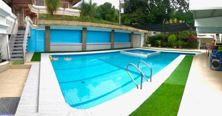 Deluxe Villa Leah Natural Hotspring Resort 22hrs