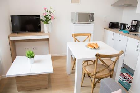 appartement centre ville lumineux 2 pers(1er étage - Albi
