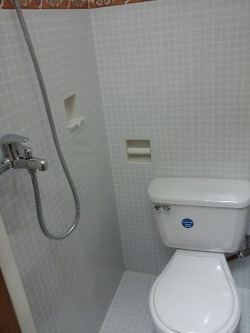 Second bathroom. Hot water. Good water presure.