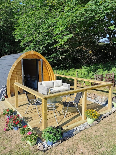 Cosy Toes Pod  (HOT TUB EXTRA CHARGE )