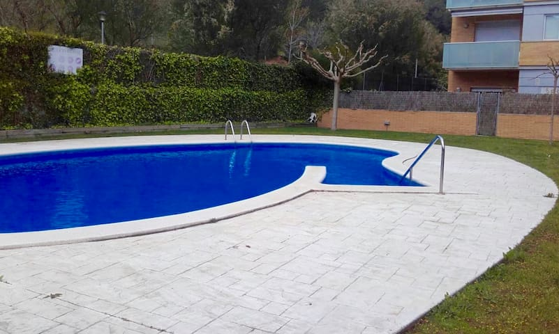 Fully-furnished Apartment with Pool - Tossa de Mar - Apartament